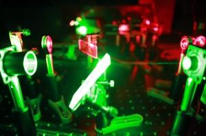 Diamond nano photonics